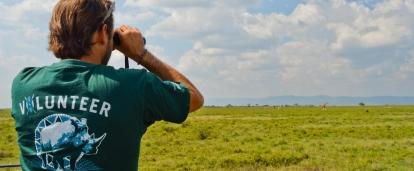 A man conducting a wildlife census as part of Projects Abroad's conservation volunteer work abroad.